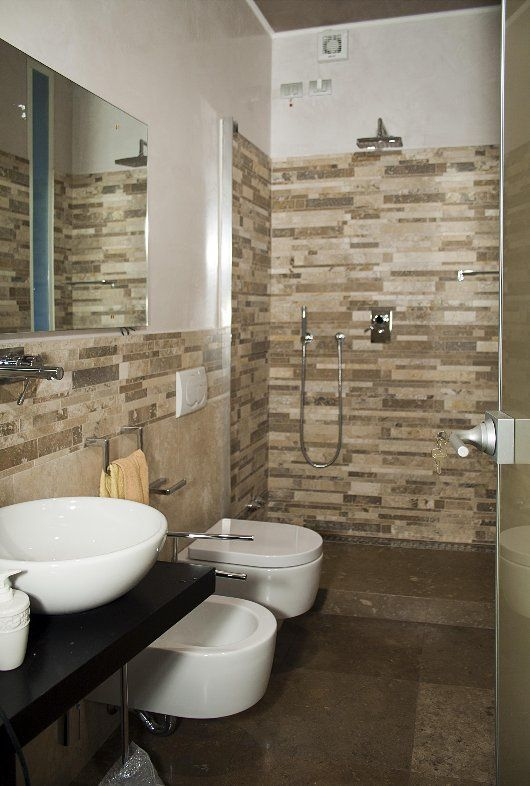 Bagno in mosaico di travertino srips mosaici pinterest architecture jobs house - Bagno parquet e mosaico ...
