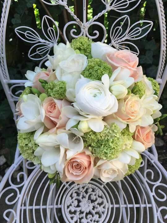 Apricot Weiss Grun Hochzeit Blumen Grun Weiss Wedding Flowers