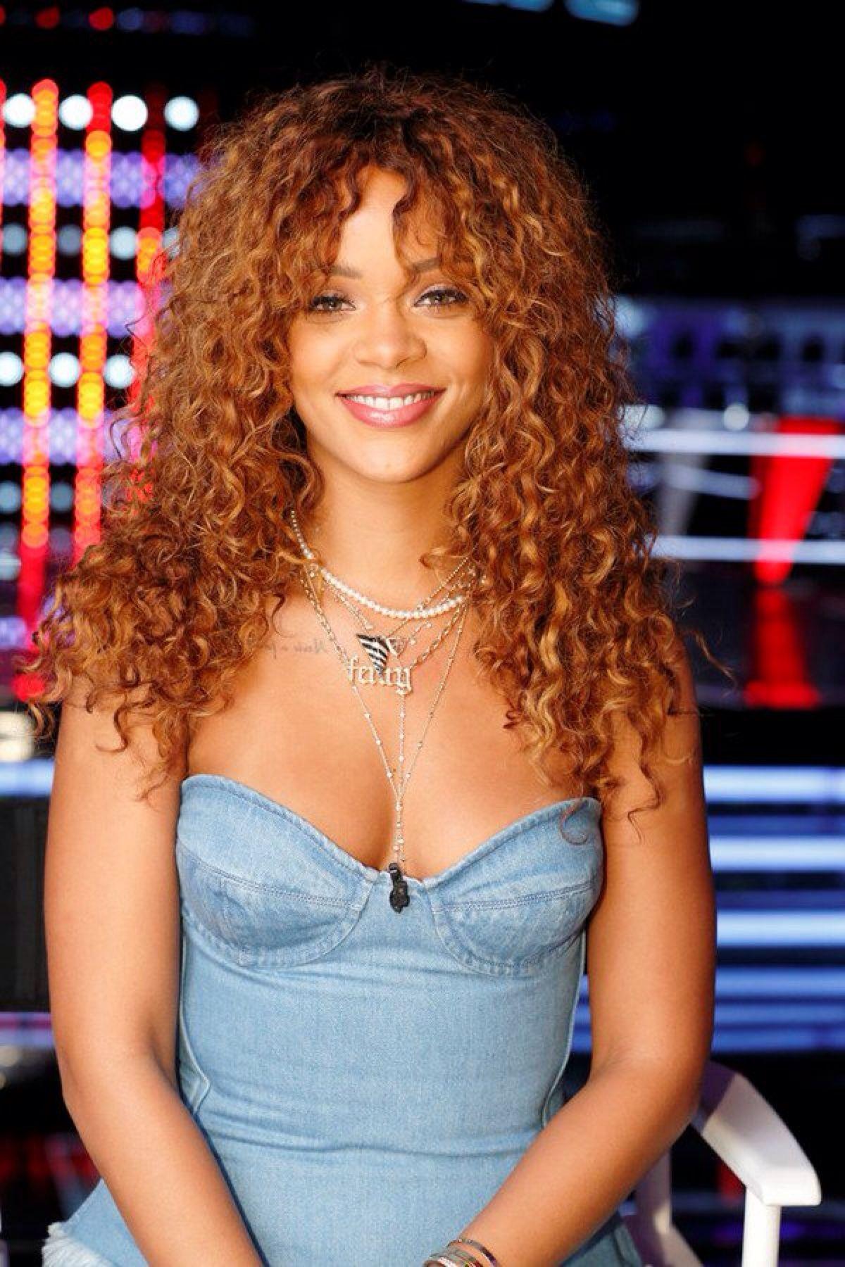 Rihannainfinity Rihanna Hairstyles Curly Hair Styles Hair Styles
