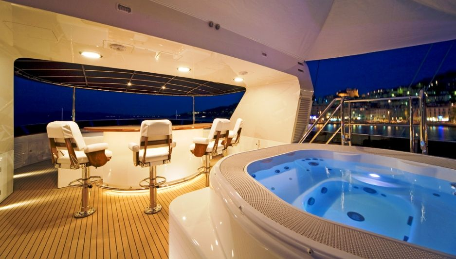 INEVITABLE - Sundeck Jacuzzi #sundeck #jacuzzi #ideas #yacht ...