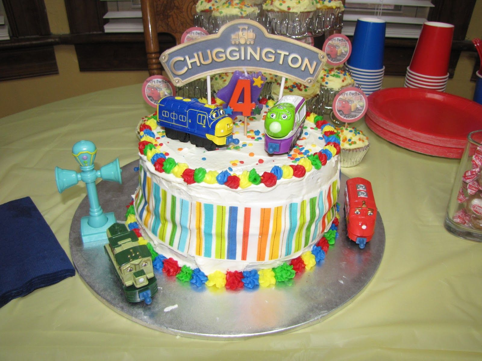 chugginton cake simple round cakes with decorationsaccents from