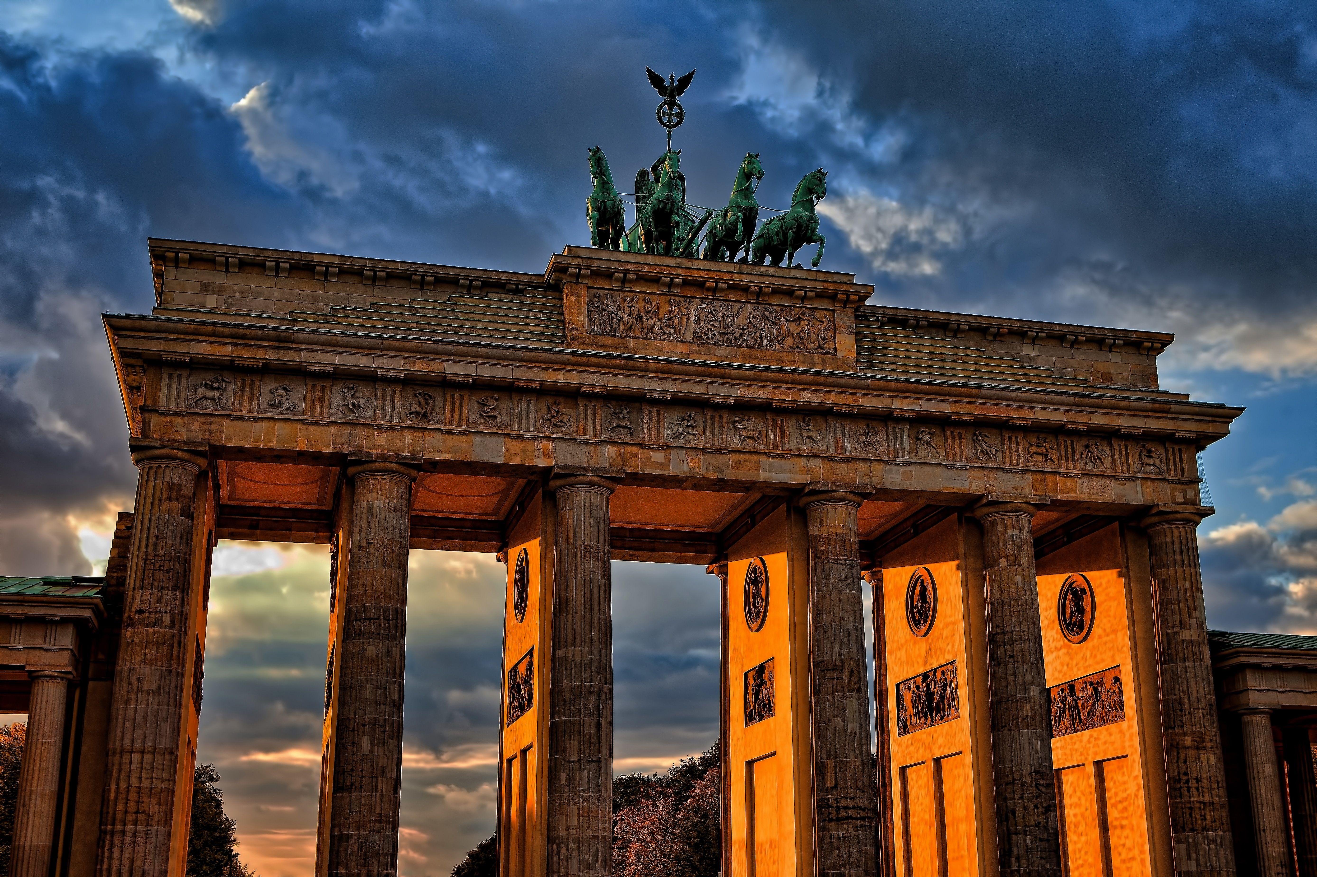 Brandenburger Tor In 2020 Tolle Reiseziele Reisen Deutschland Brandenburger Tor