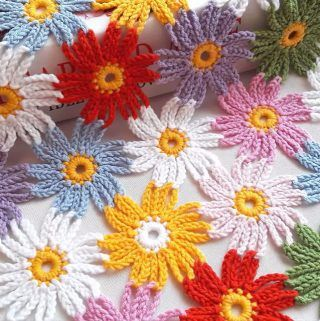 Easy Crochet Flower Pattern You Should Learn   CrochetBeja