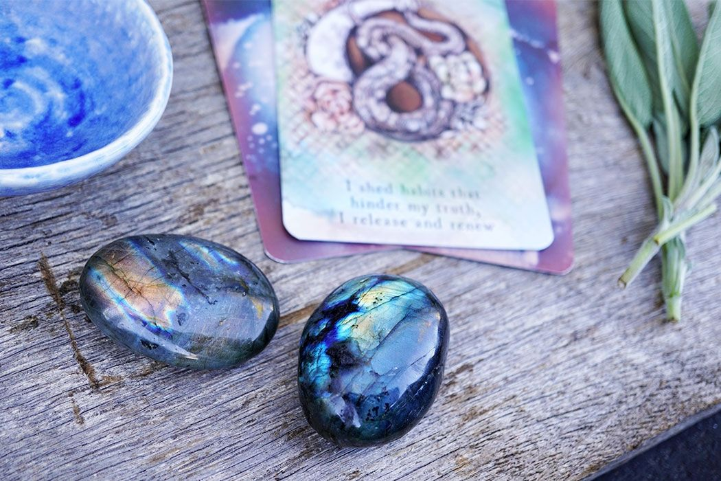 Labradorite Meaning Healing Properties Energy Muse Moon Bath Ritual Bath New Moon Rituals
