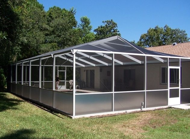 Keeping Dirt Amp Debris Out Of Your Screen Enclosure Gulfcoastaluminum Com Screen Enclosures Pool Screen Enclosure Patio Enclosures