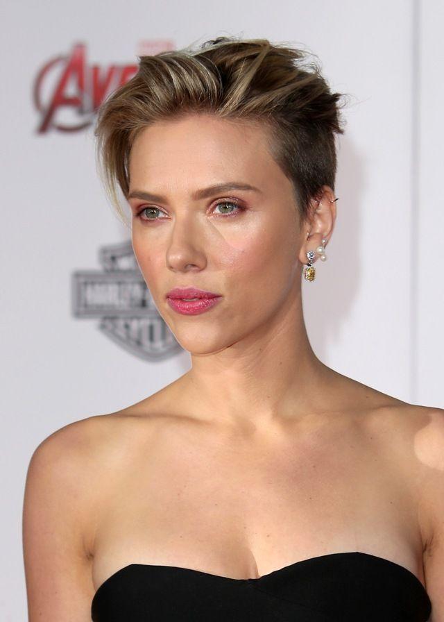 Scarlett Johansson Pixie Cerca Con Google Hair Pinterest Lob