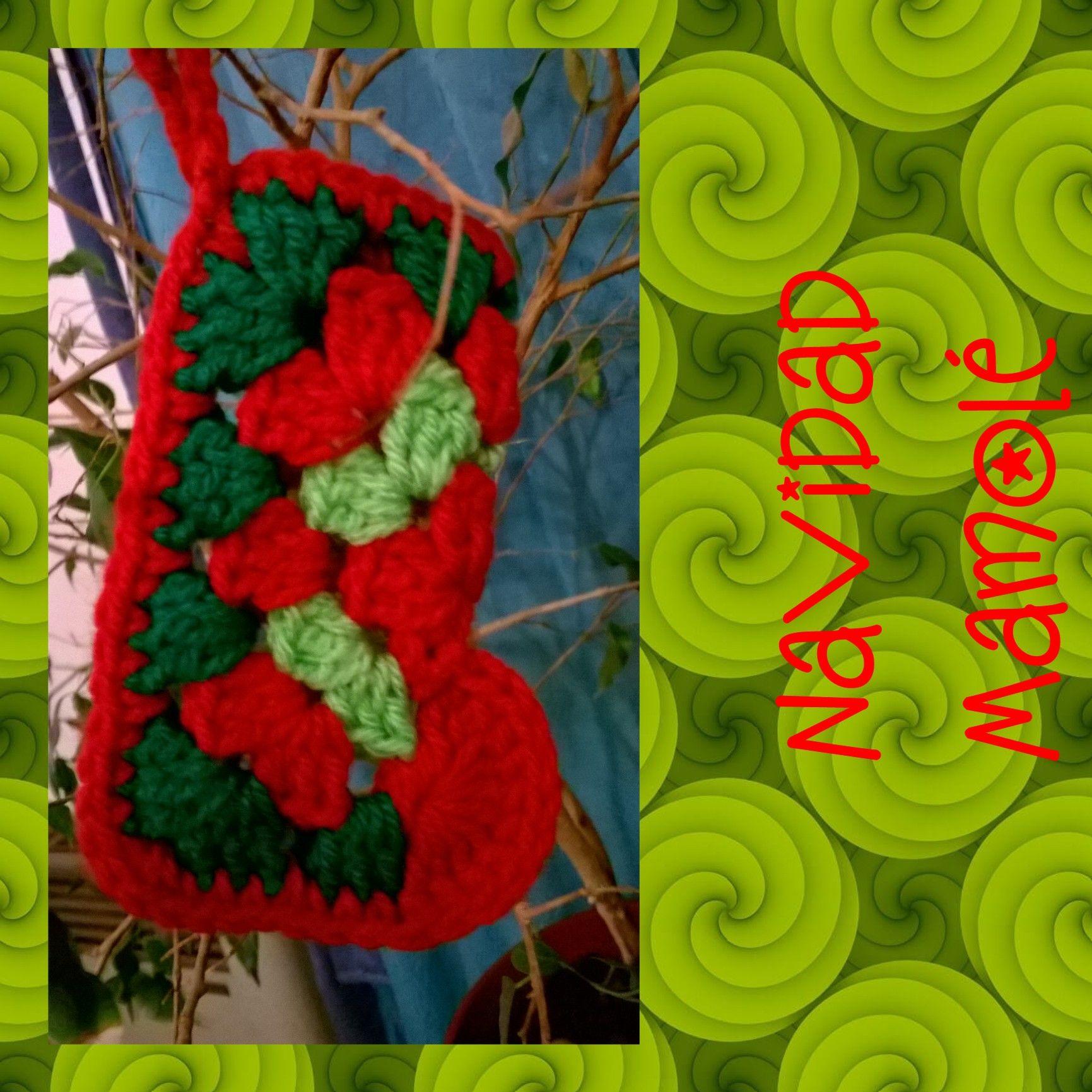 Botita Noel fue pensada para dos cosas: Contener un pequeño presente o mensaje y ser parte del #arbolito. #Navidad #AdornosNavideños #HechoAMano