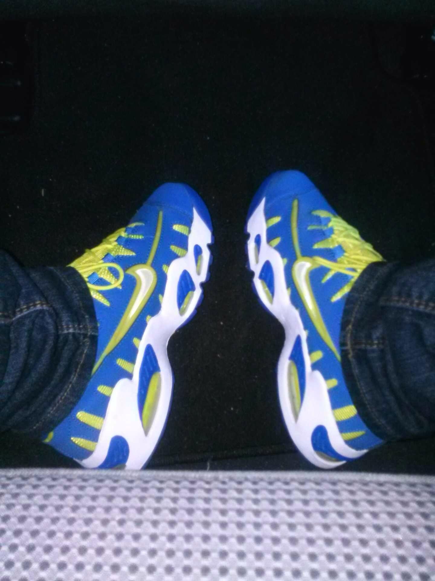Girls who rock sneakers Sneakers, Sneakers nike, Shoes