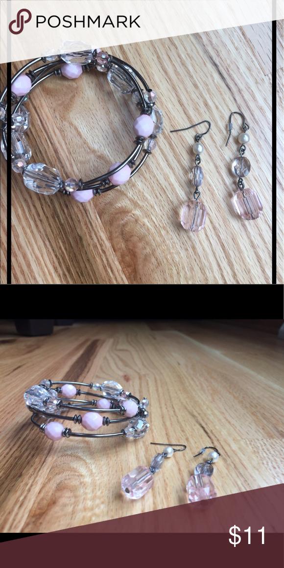 Bracelet & earring set Beautiful light pink color Jewelry