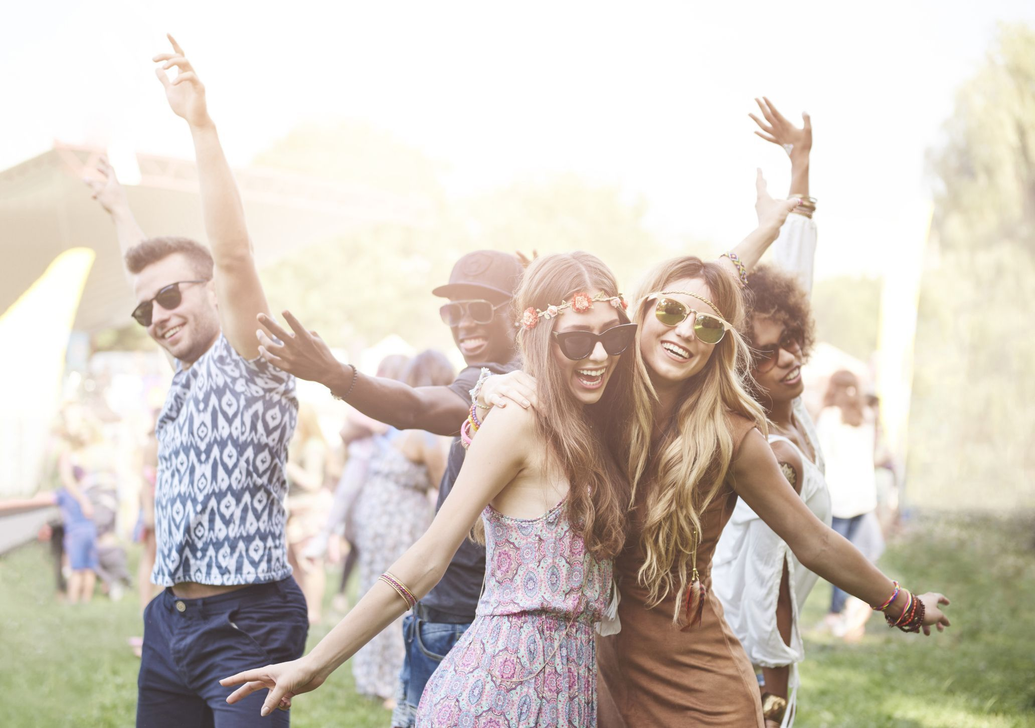 Amplify your Mondays with a plan to visit a famous music festival. Coachella Music and Art Festival, California. #mondaymusic #musicmonday #monday #music #musicfestival #loveformusic #musicislife #travelformusic #musictravel #travel #travlyng #travelmusic