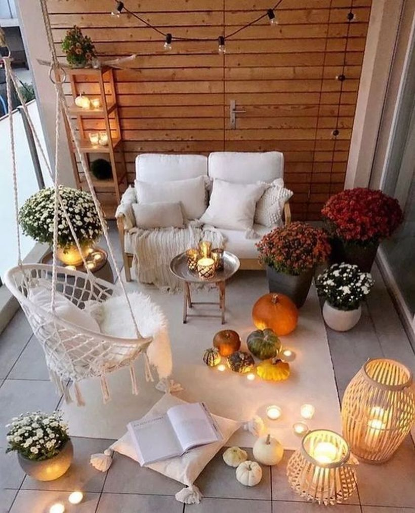 20 amazing fall decoration for apartment balcony with images balcony decor small balcony on christmas balcony decorations apartment patio id=54308