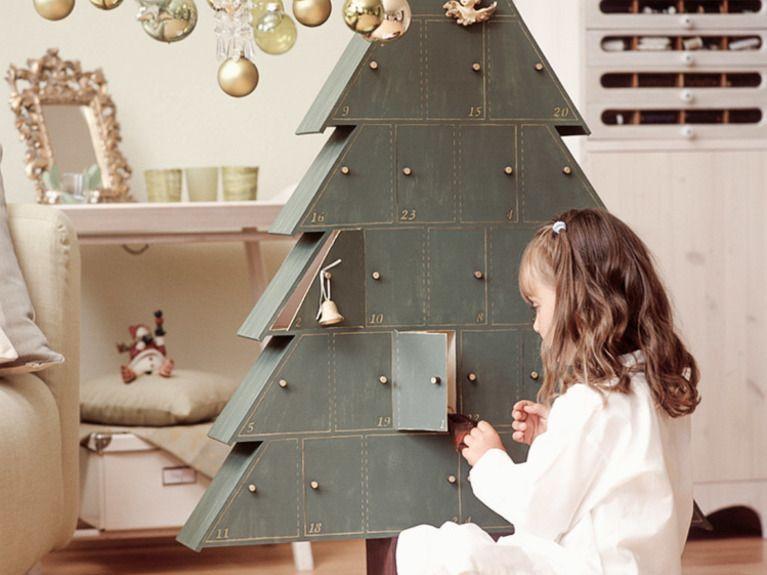 Diy-Anleitung: Tannenbaum-Adventskalender Aus Holz Basteln Via