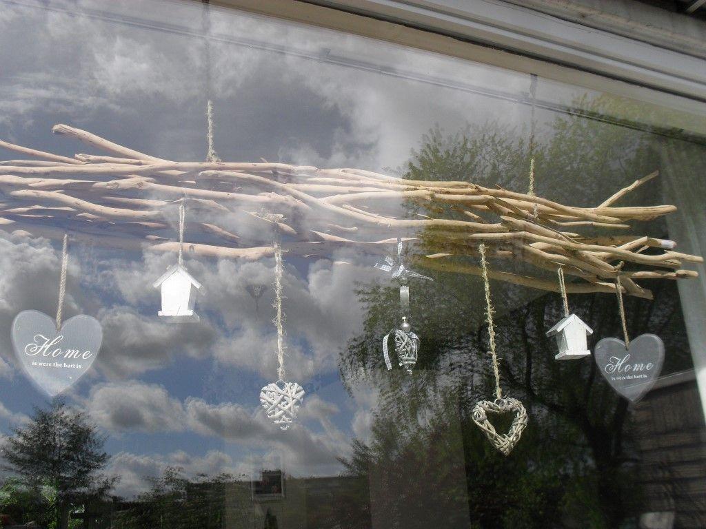 Diy raam decoratie en het is te koop oud hip http for Takken decoratie voor het raam