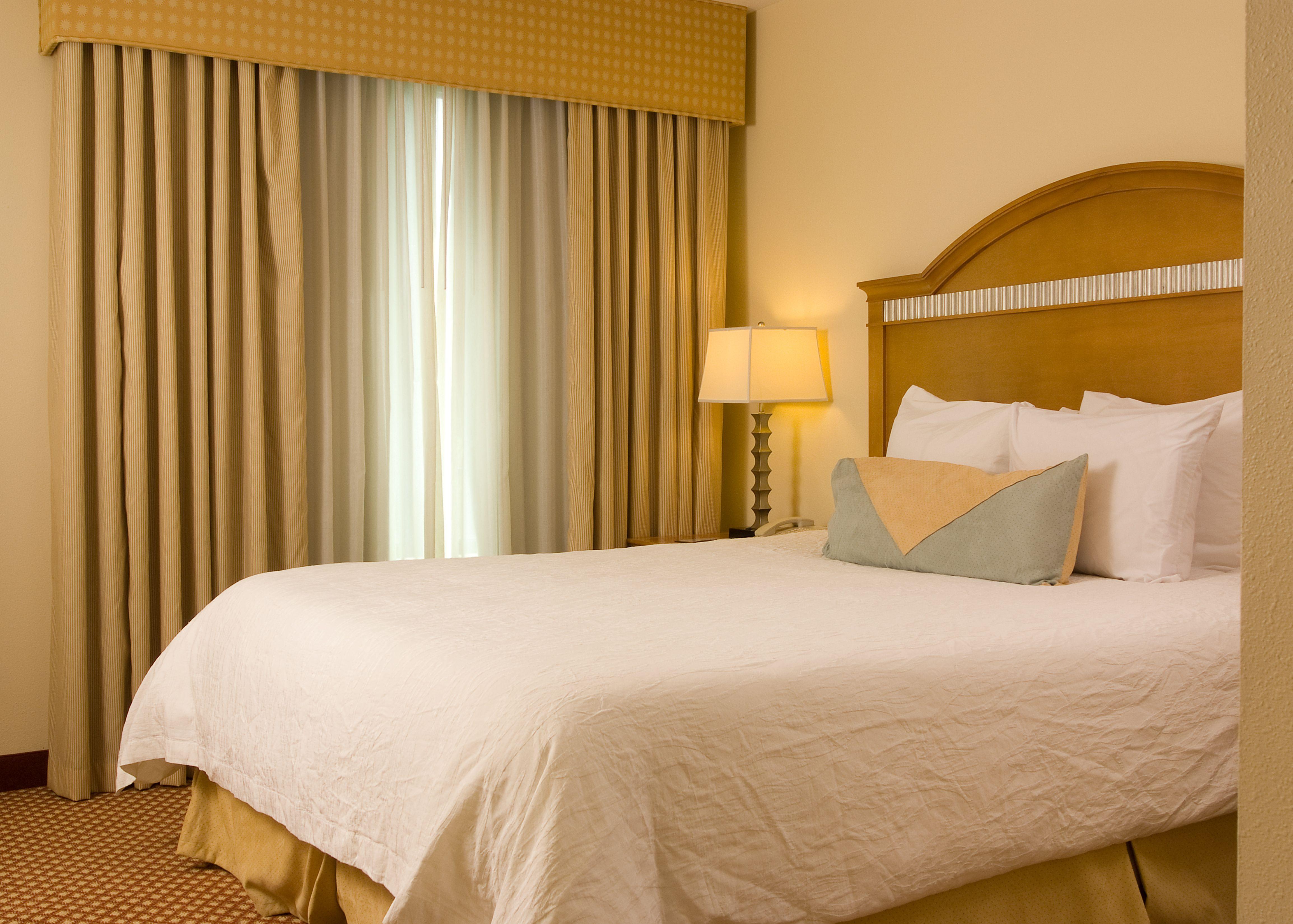 Hilton Garden Inn Atlanta Airport-King Suite http://hiltongardeninn3 ...