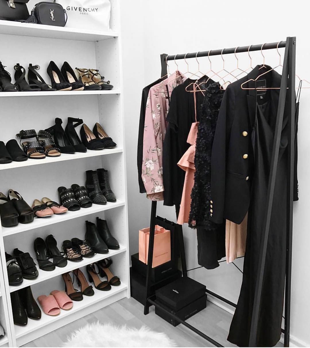 "Naina Singla (@nainasingla) on Instagram: ""My kind of style- all black with pops of blush tones here and there"
