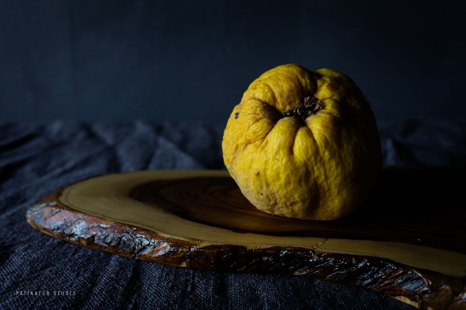 Dark And Moody Food Still Life Photo With Quince Inspired By 17th Century Old Master Painters Like Them I Use Chiaroscuro Lighting Working Only With Natural I 2020