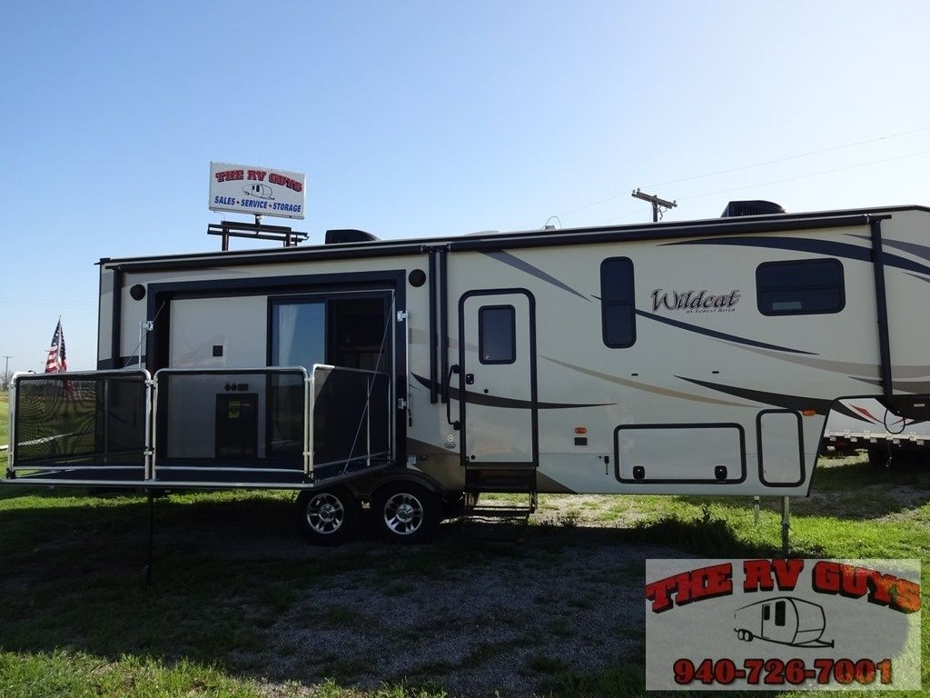 Side Patio Deck 2016 Forest River Wildcat 29rkp