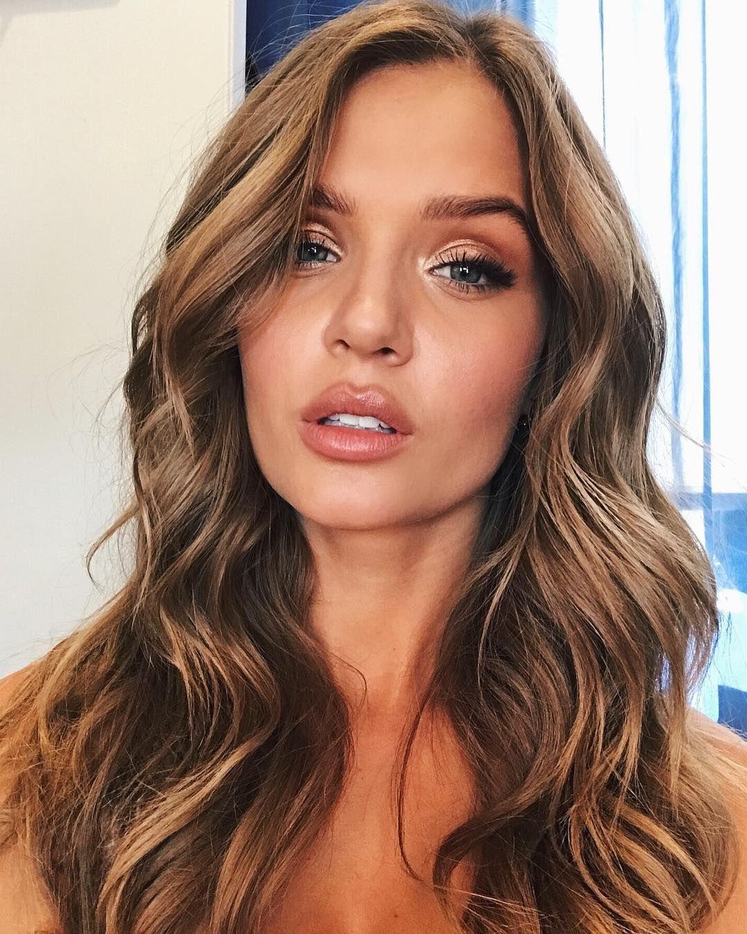 Victoria S Secret Angels Reveal Their Essential Post Show Skin Hair Care Tips Victorias Secret Model Hair Victoria Secret Hair Thin Hair Care