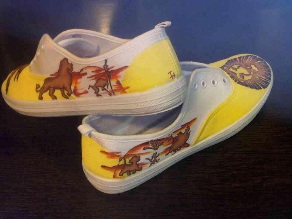 Zapatillas pintadas a mano Diseño Rey León