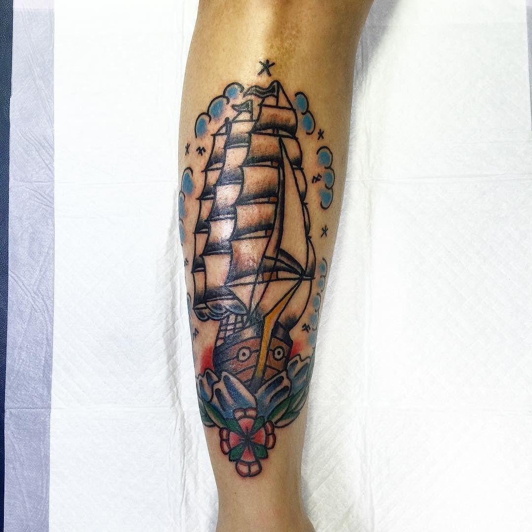 #홍대 #홍대타투 #올드스쿨 #올드스쿨타투 #draw #drawing #sketch #black #tattoo #tattoos #oldschool#oldschooltattoo#now #ink #blackart #blackink #blacktattoo #blackwork #pencil #penilsketch #xxx #tattooflash #tattoodesign #traditional #sailboat by vaco_tattoo