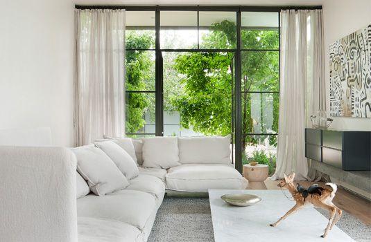 HECKER GUTHRIE INTERIOR DESIGNERS  PROJECTS  ALL Interiors - wohnzimmer creme grun