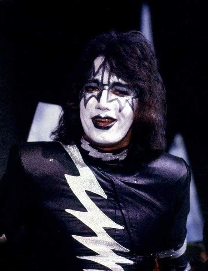 Pin By Lee Thomson On Ace Frehley 1979 1982 Ace Frehley Kiss