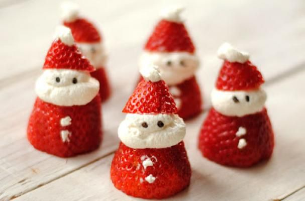 Santa Strawberries are a Quick and Easy Christmas Treat