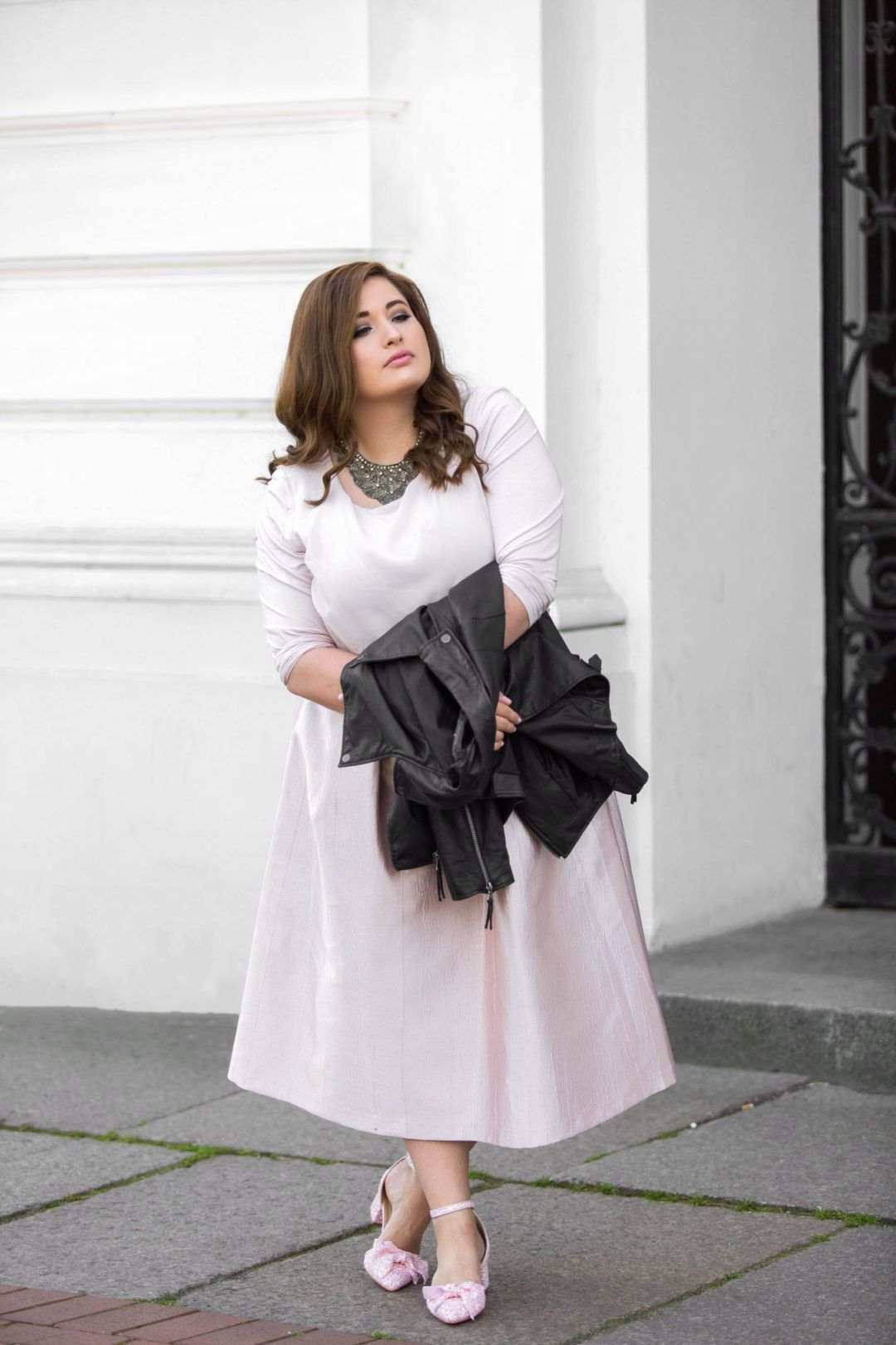 Dress in Soft Pink with Rough Leather Jacket and Matching Pumps   Plus Size  Evening Wear 8fed5f6c3c