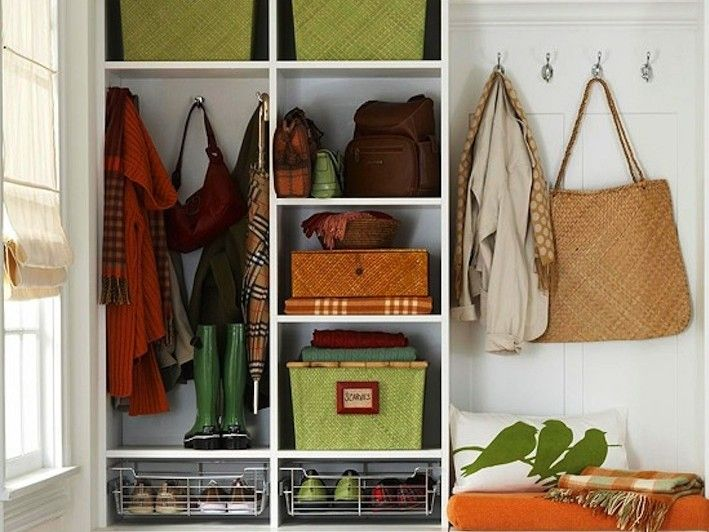 Room of the Day: Organized Entryway. #Ethnic #GrannySquare Spring · Summer #Colortrend 2015 #KatiaYarns