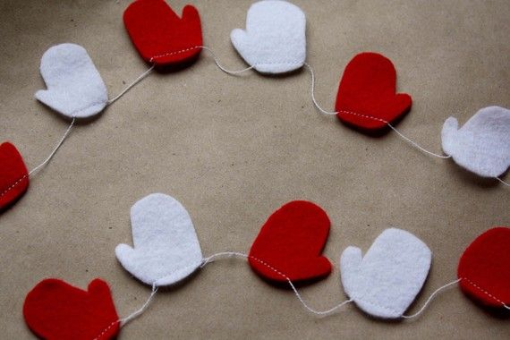 Mitten Garland, could use throughout winter til Valentine's Day