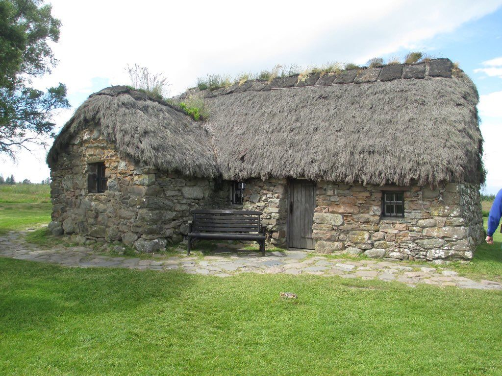 (3) Twitter Cute little houses, Culloden, Stone cottage