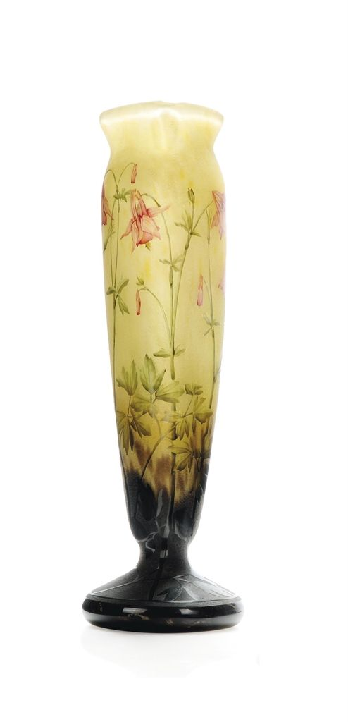 ENAMELLED  GLASS VASE. Gepind door: www.sieradenschilderijenatelierjose.com -  CIRCA 1920