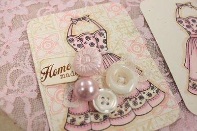 < ButtonShop.ca > Such a pretty little, homemade button card