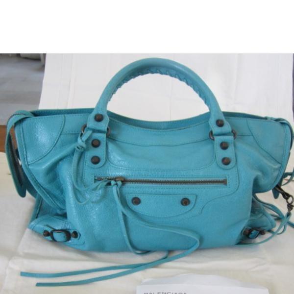 Tip: Balenciaga Shoulder Bag (Turquoise)