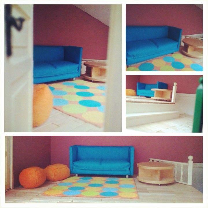 Maison de poupées de ma fille - Salon (aménagement provisoire) - VanilleCitron