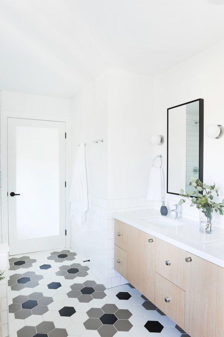 Such Beautiful Floor Tile Flower Design Using Hexagon Tiles Gray Black And White Floor Tile Pale Brown Tile Bathroom White Tile Floor Grey Tile Pattern