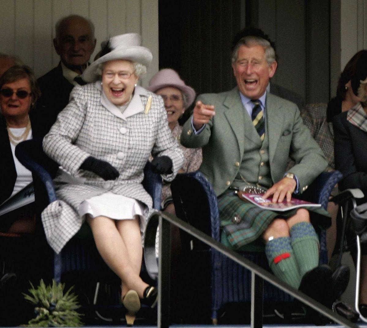 Pin By Foxavior Scaramonga On Queen Elizabeth Ii S Court Queen Elizabeth Memes England Funny British Royal Family