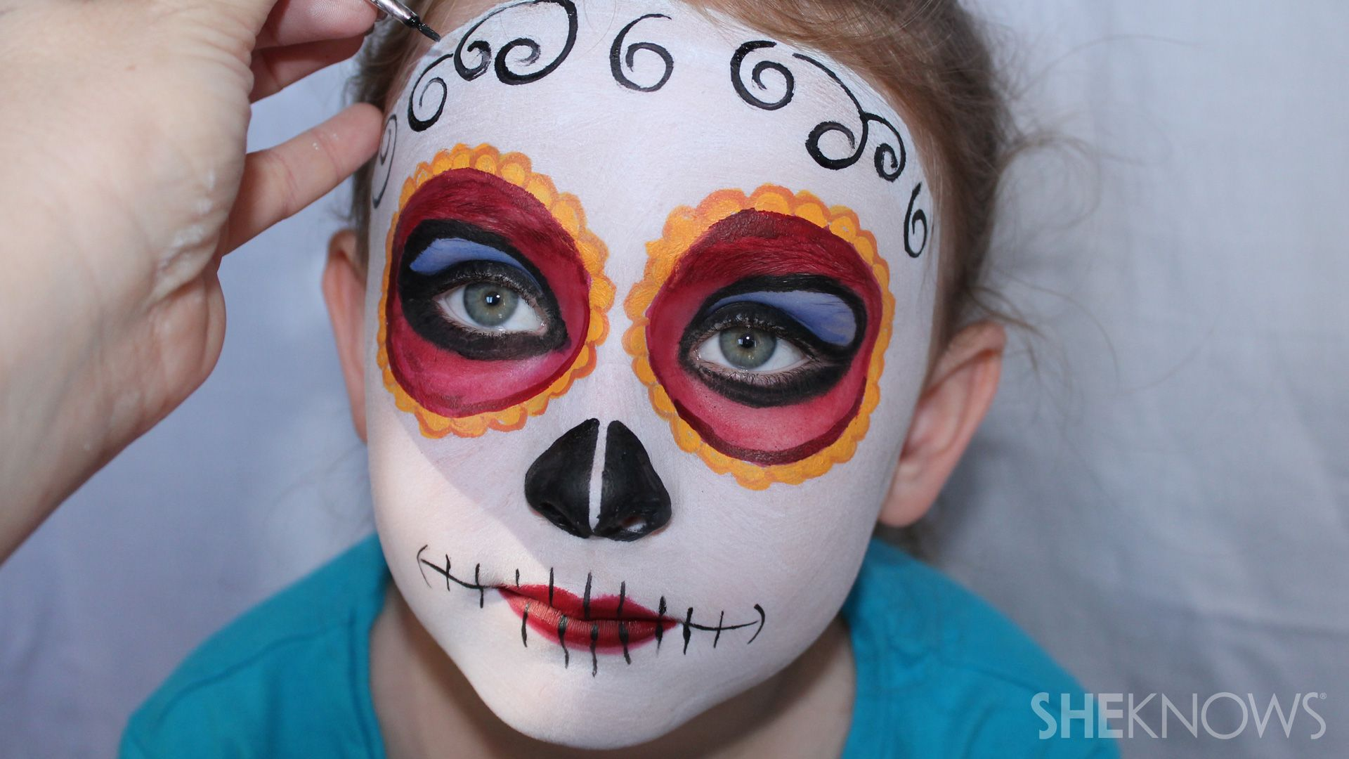 Tutorial your kid will actually like wearing face paint when it 3 halloween face paint tutorials that will win your kid best costume baditri Gallery