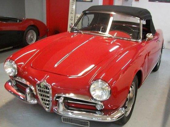 voiture alfa romeo 1300 giulietta de 1958 carrosserie d capotable couleur rouge alfa rom o. Black Bedroom Furniture Sets. Home Design Ideas