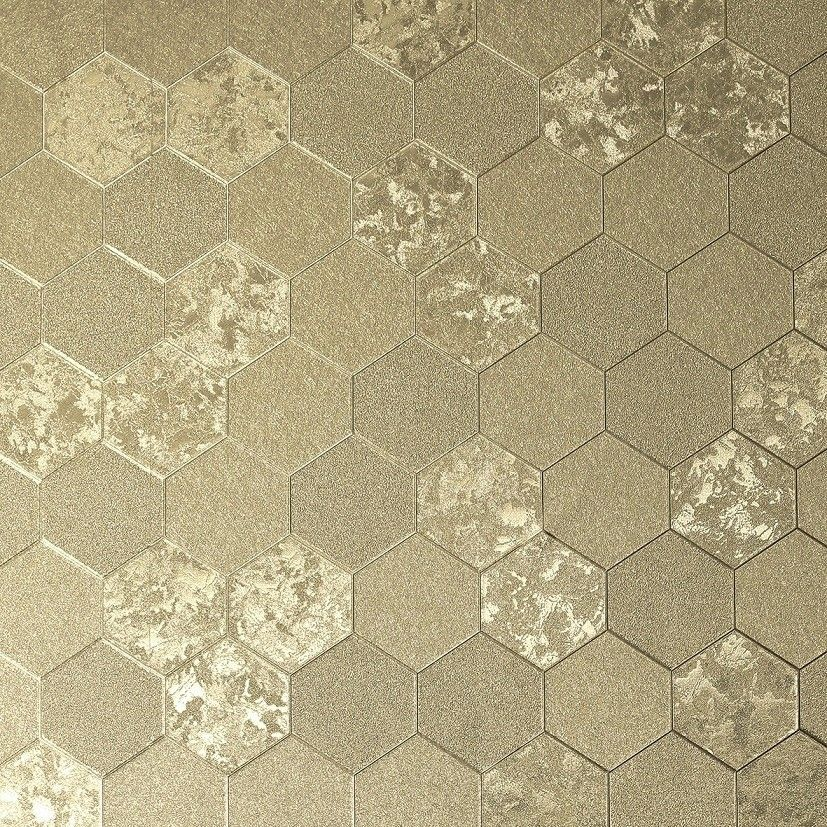 294701 Champagne Gold Metallic Schimmernde Tapete Mit Grafischem Hexagon Muster Von Arthouse Illusions Metallische Tapete Tapeten Mustertapete