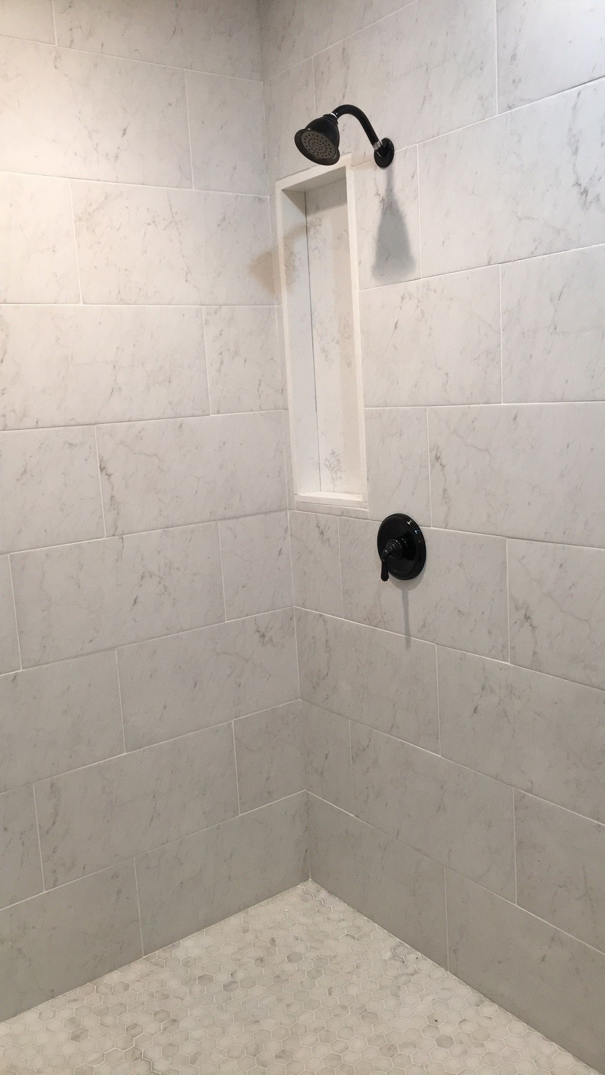 White Shower 12x24 Tiles Black Shower Faucet Marble Floors Marble Shower Walls Marble Showers Marble Tile Bathroom Shower