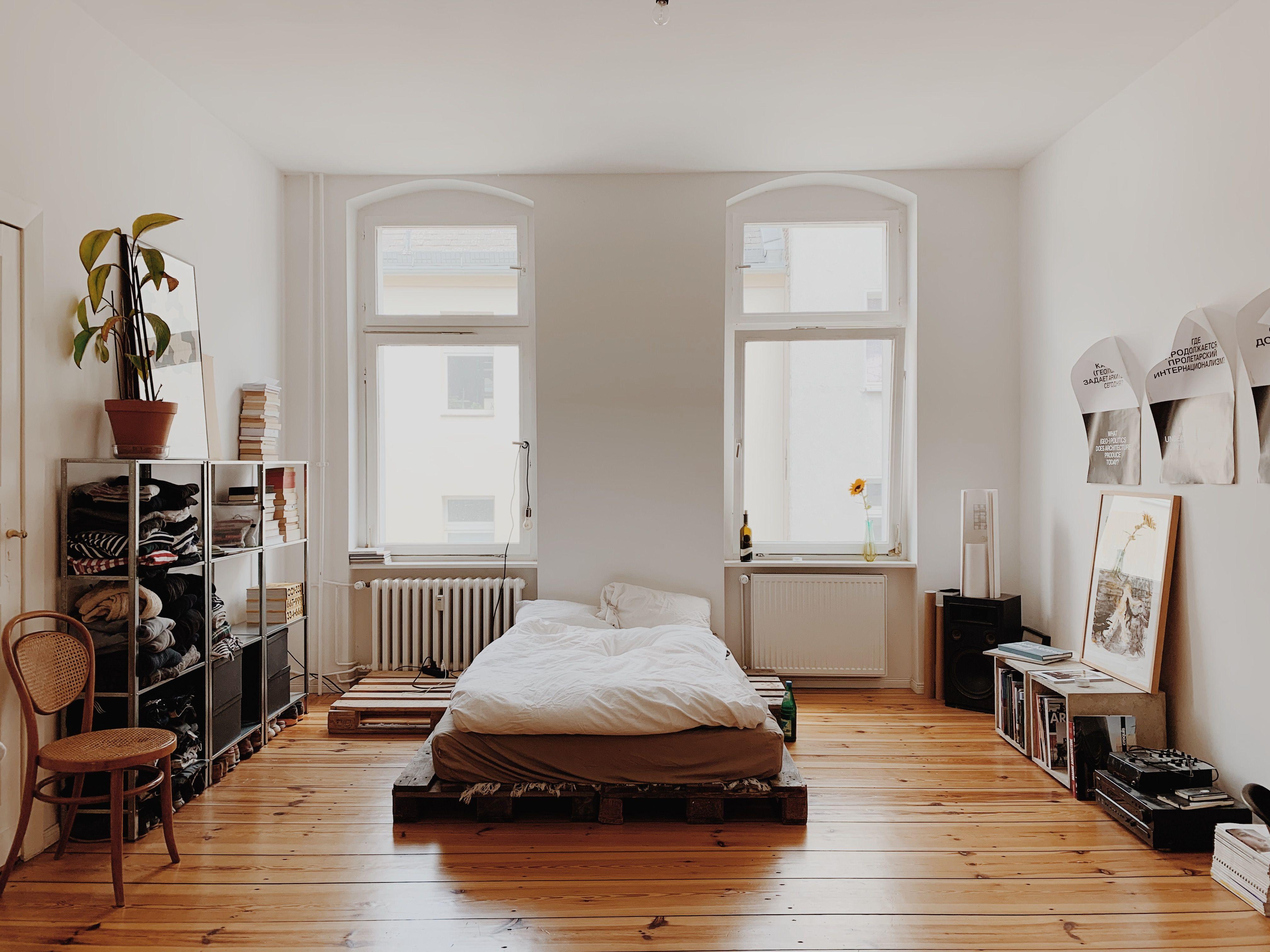 Grosses Altbauzimmer In Berlin Altbau Schlafzimmer Altbau Zimmer Altbau Wohnung Einrichten