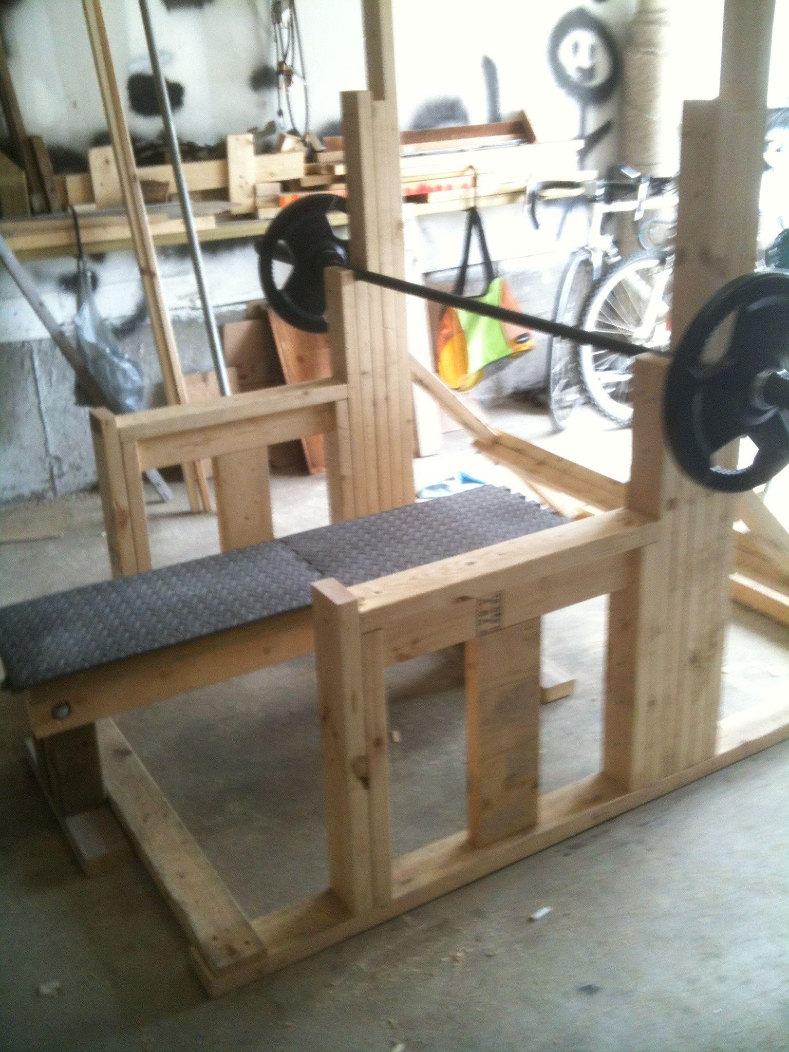 this is a sweet DIY squat rack.... Home gym set, Diy