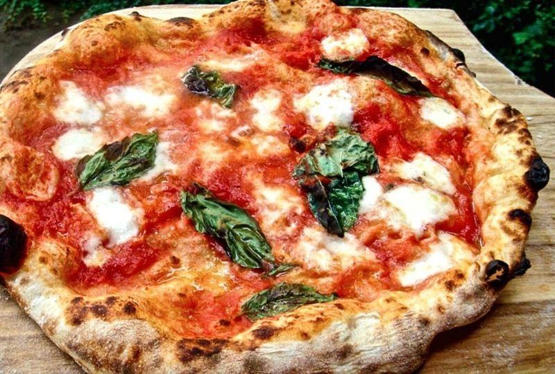 Das Originalrezept für Pizza Napoli - nur für wahre Fans der italienischen Küche!