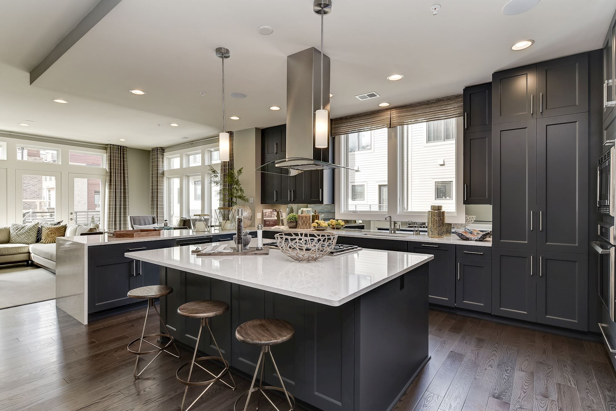 Spacious Contemporary Kitchen With Large Central Island Featured