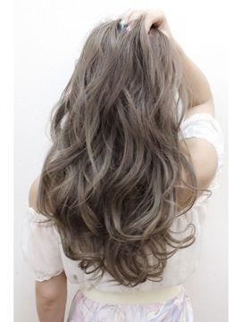 アッシュグレージュの髪色が可愛すぎ 2018注目のヘアカラーカタログ