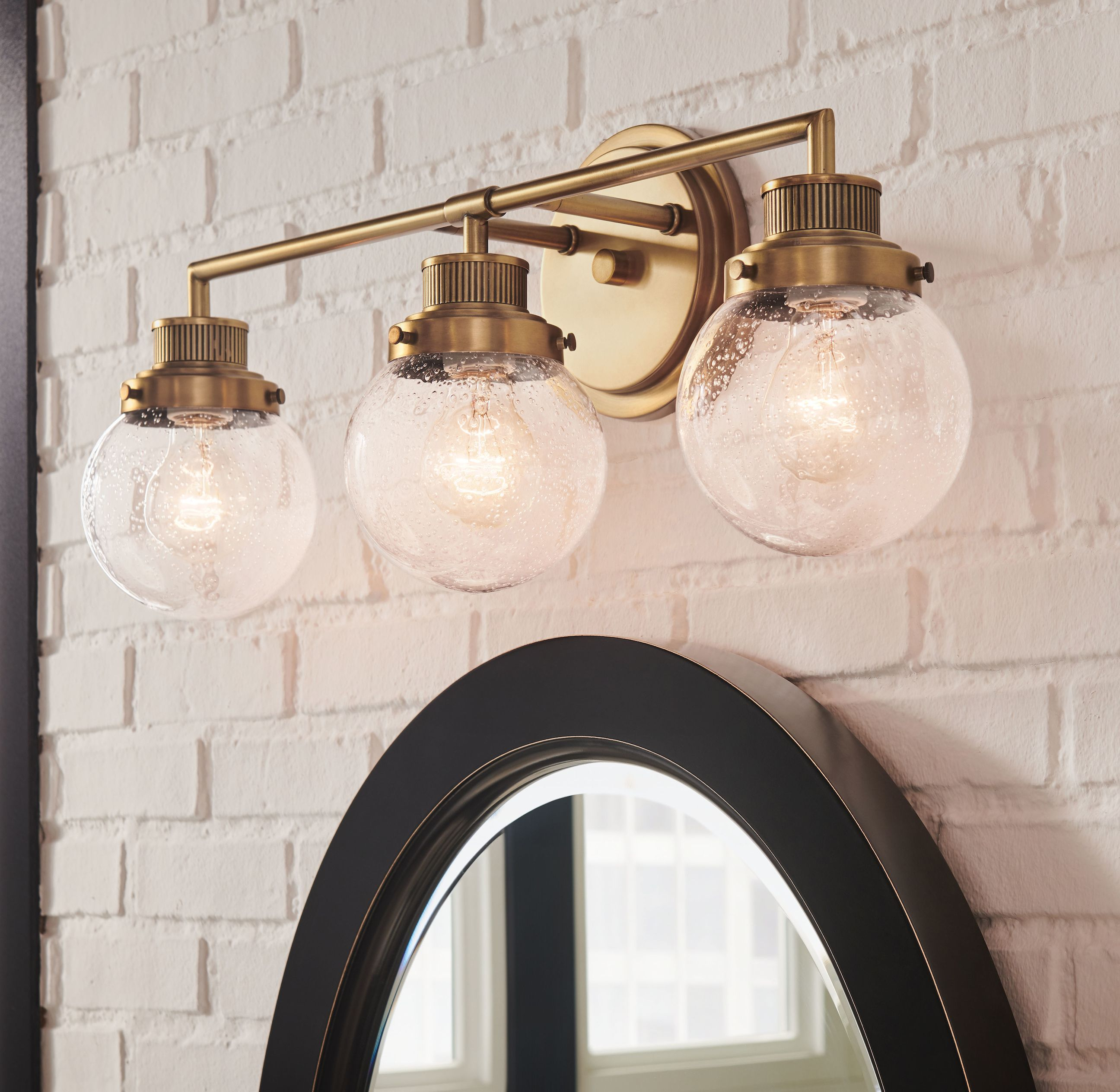 Vintage Style Bath Light By Hinkley In 2020 Bathroom Lighting Bathroom Lighting Design Cabin Lighting
