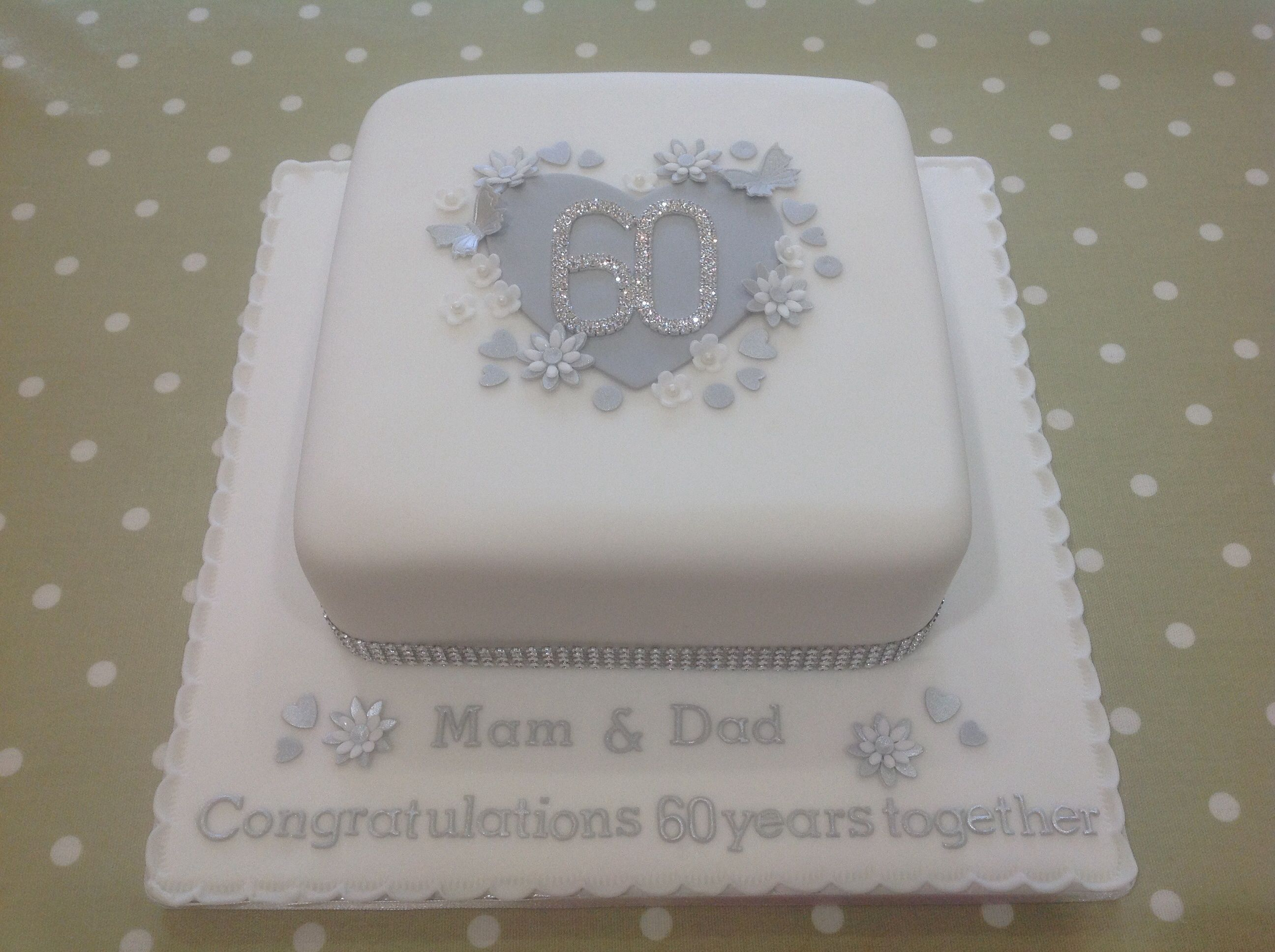Cake Decorating Wedding Anniversary : diamond wedding anniversary cakes - Google Search bolos ...