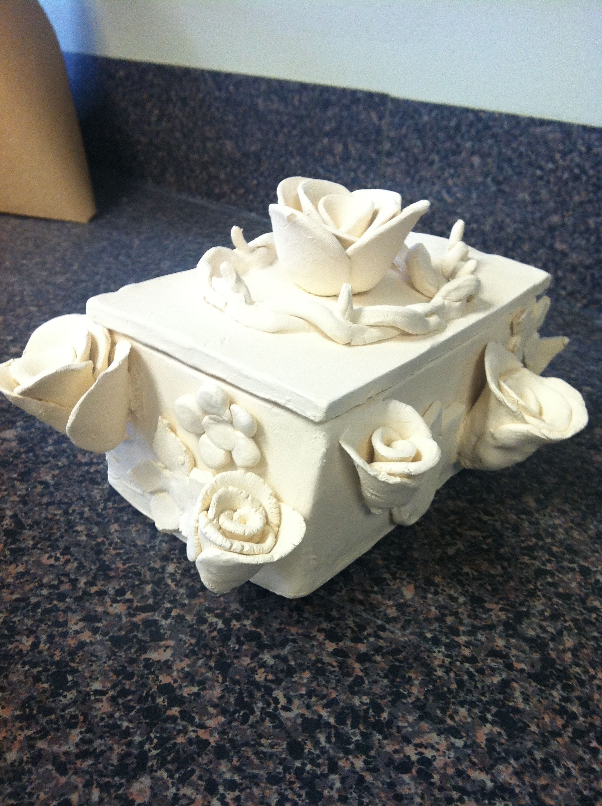 Clay Box With Roses Clay Box Ceramics Projects Slab Ceramics