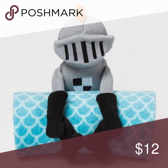 NWT pillowfort Plush Knight blanket set